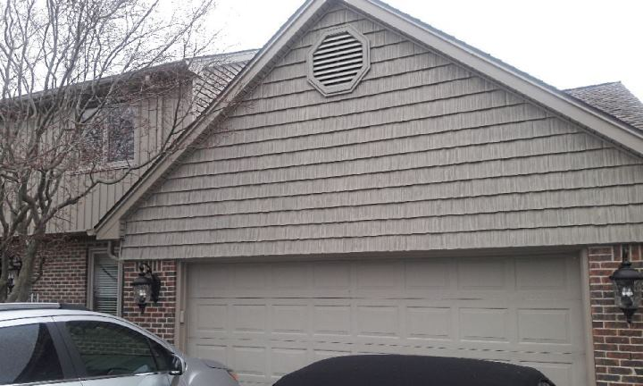Rochester Hills MI stained shake siding